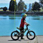 男の子と自転車